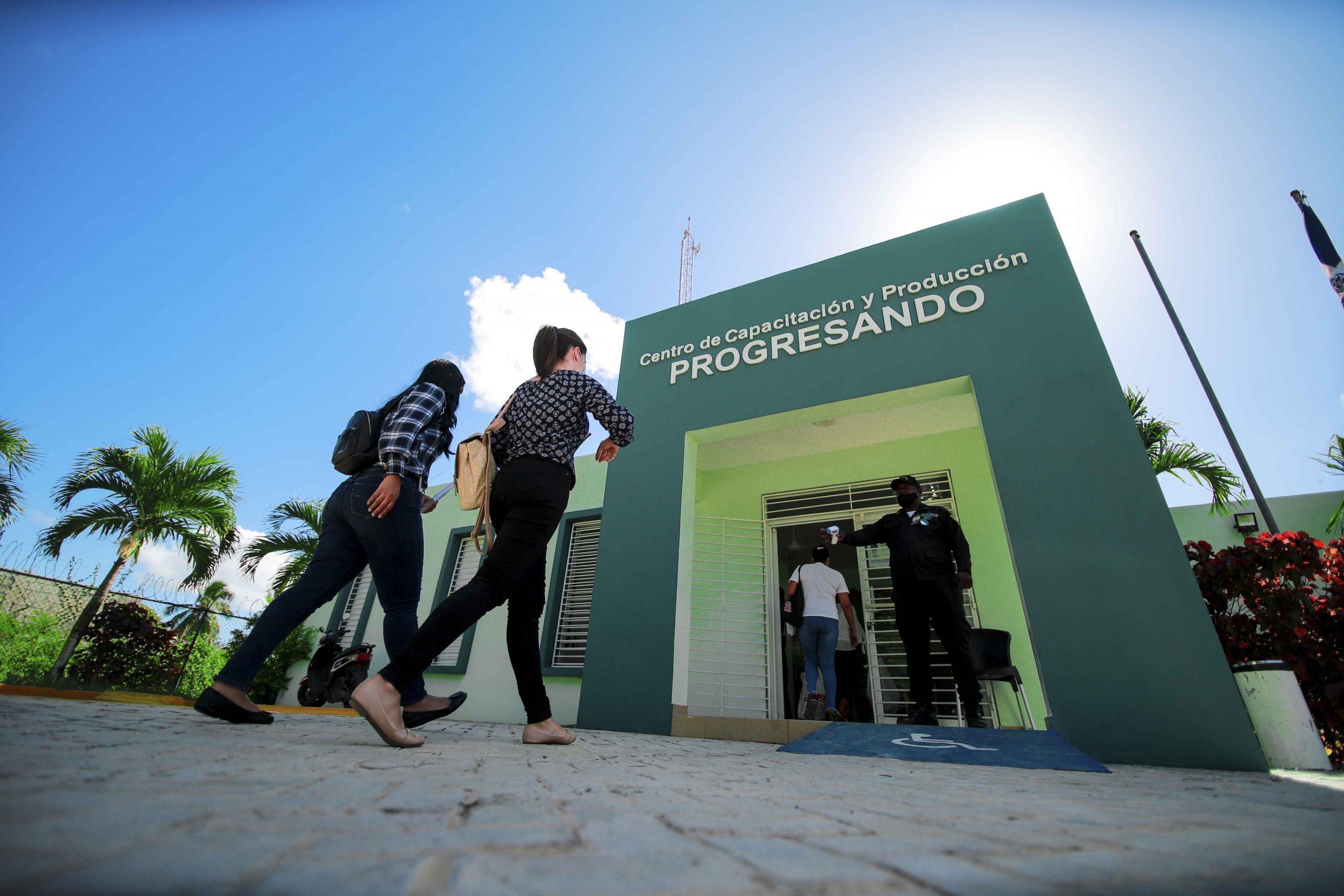Los Centro de Capacitación y Producción de Prosoli educarán este año a más de 100,000 personas
