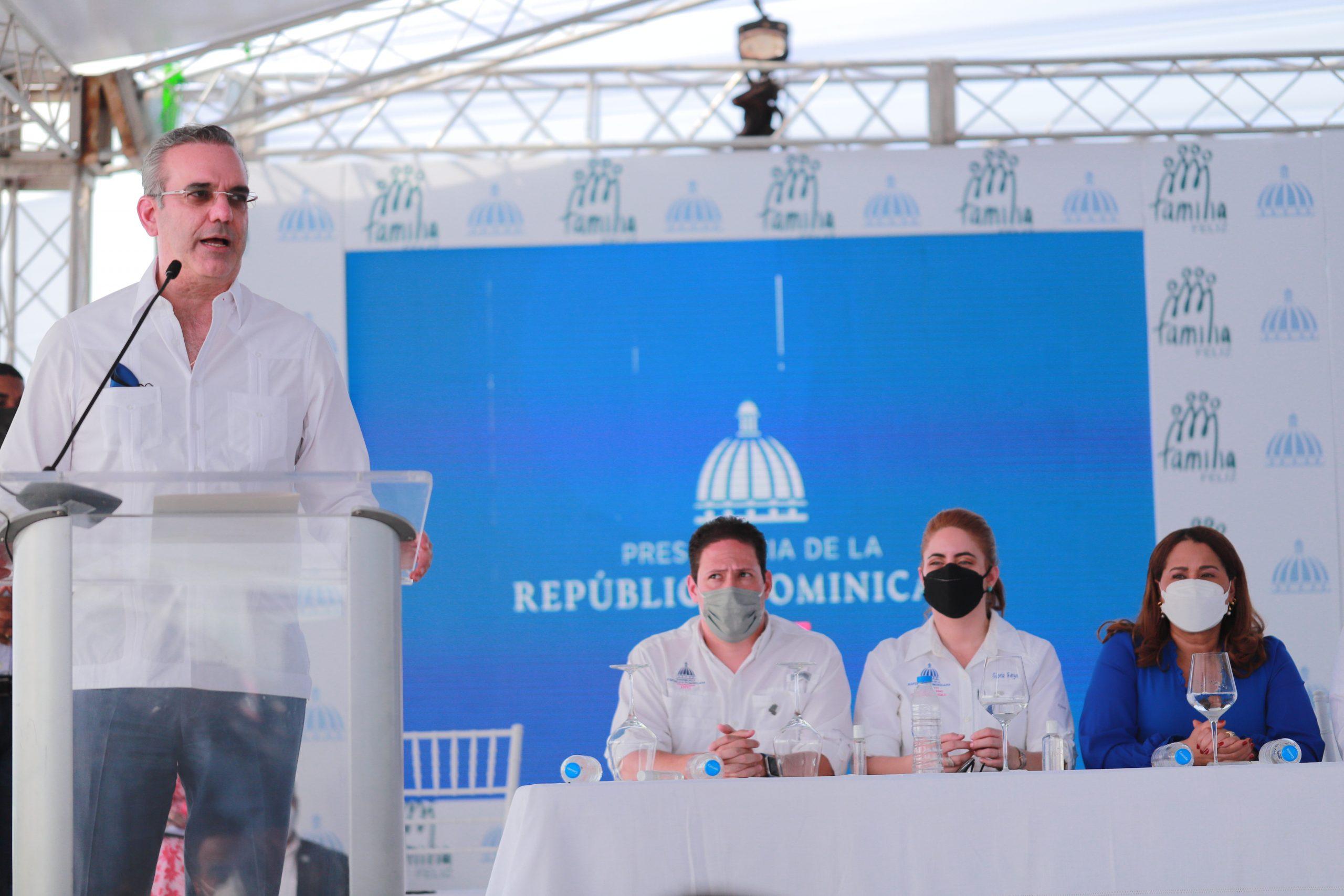 Luis Abinader inició los trabajos de construcción de nueve proyectos habitacionales correspondientes al Plan Nacional de Familia Feliz (PNVFF)