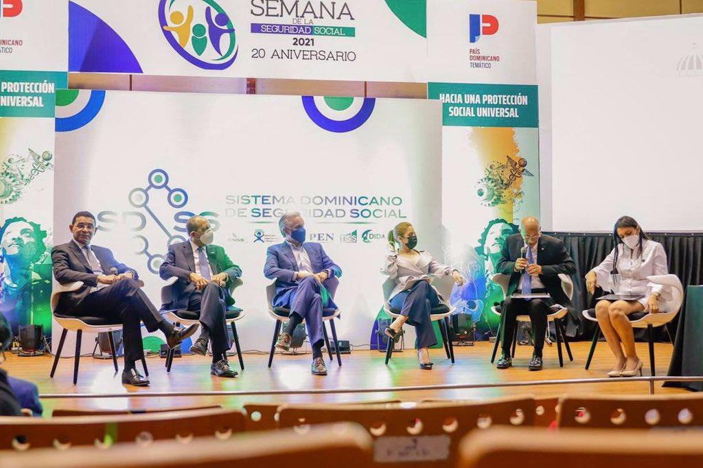 Plantean soluciones para mejorar protección social de los dominicanos