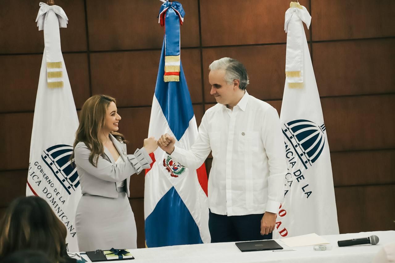 Acuerdo se forma parte de las iniciativas del Gobierno para generar 600, 000 nuevos puestos de trabajo.