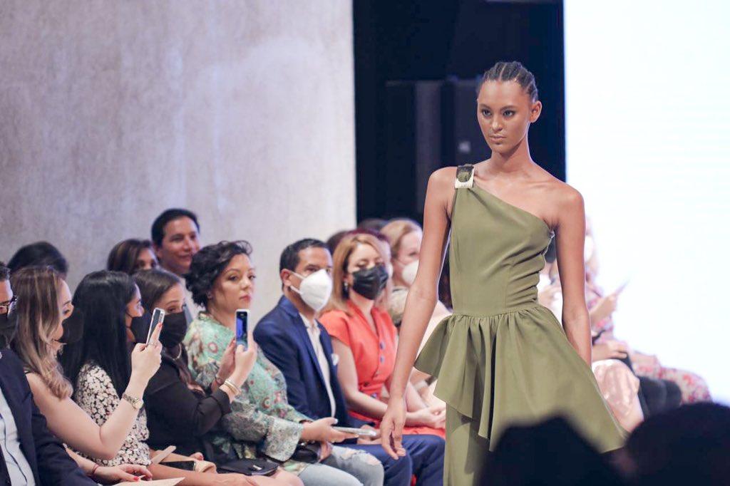La colección de la marca de moda bajo el sello Manos Dominicanas se presentó en RD Fashion Week 2021
