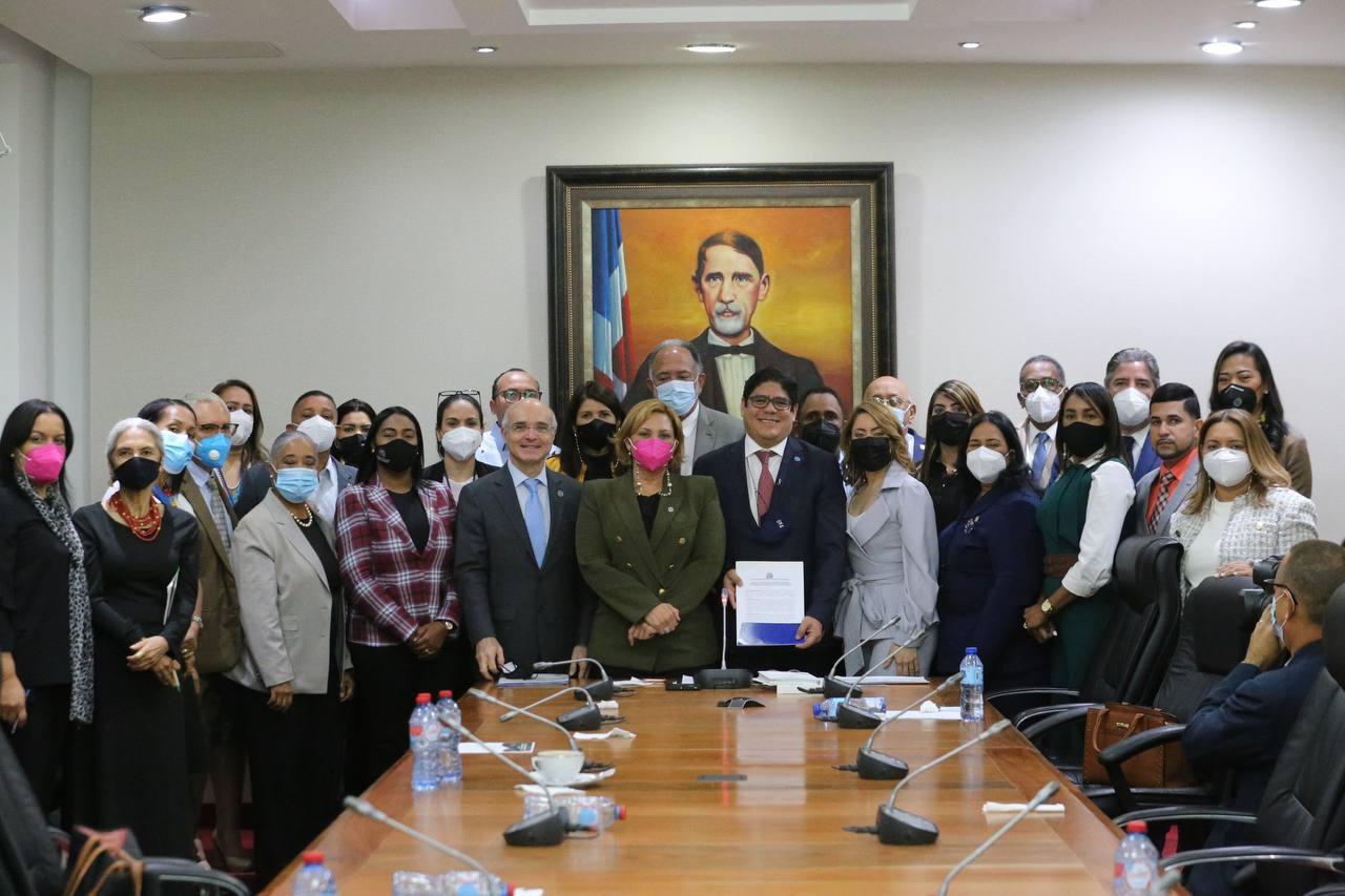 Reactivan el Frente Parlamentario contra el Hambre de la República Dominicana